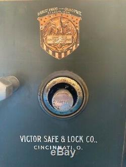 ANTIQUE 1904 Victor Safe & Lock Co. Cincinnati, OH Combination Safe