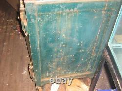 ANTIQUE LARGE HALL CO. SAFE COMBINATION LOCK N. Y. FRUIT CO. 38HX21D circa 1906