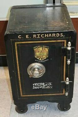 Antique Vintage Victor Safe & lock CE RICHARDS CINCINNATI OH /NO COMBO IRON SAFE