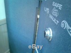 GRAFFUNDER MODEL 60 x 32 Gun Safe