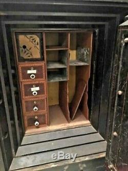 HALLS SAFE and LOCK CO-ANTIQUE SAFE 1850 EXCELLENT CONDITION WITH COMBINATION
