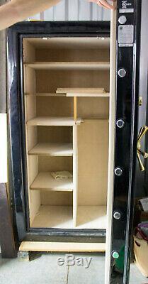 Liberty Gun Safe Washington Mod Q40 Floor safe 90 min fire rating 34 long guns