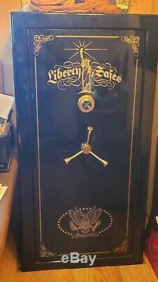 Liberty Gun safe, Black, carpeted with shelves