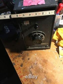OLD ANTIQUE VTG LOCK SYSTEM COMBINATION METAL HEAVY Safe I Can Open It