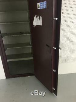 Sportsman Gun, valuables, gold Safe Door regular 3/O combo lock PICK UP ONLY