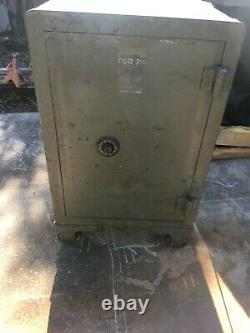 VICTOR SAFE LOCK CO. Antique Safe-Operational WITH 4 NUMBER COMBINATION