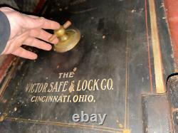 Victor Lock & Safe Company working combination dial large box safe Cincinnati OH
