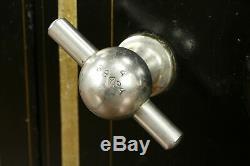 Victorian Iron Antique Safe, Yale Combination Lock, Syracuse of NY #31160