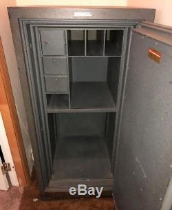 Vintage Safe Murray Safe Company Ny Combination Lock Large Gun Safe Vault