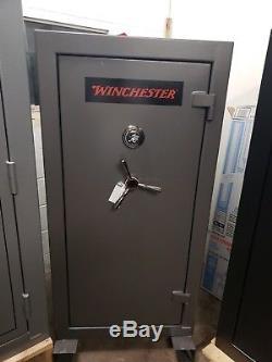 Winchester Ranger 26 Gun Safe Grey Mechanical Holds 28 Rifles