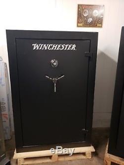 Winchester Ranger 31 Gun Safe Black Mechanical Holds 30 Rifles