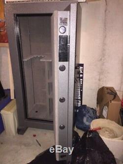 Winchester Silverado Deluxe Gun Safe never used